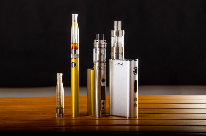 vape devices and electronic cigarette
