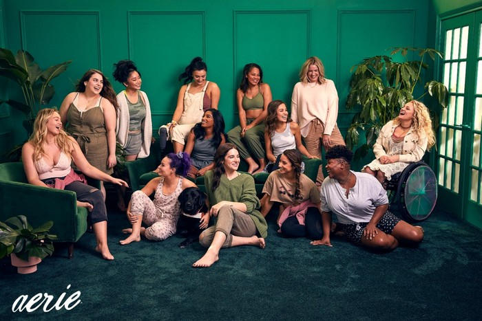 Aerie introduces Ali Stroker, Beanie Feldstein, Dre Thomas, Hari Nef, Keiana Cavé, Lana Condor, Manuela Barón and Tiff McFierce, alongside current Role Models Aly Raisman, Brenna Huckaby, Iskra, Jenna Kutcher and Molly Burke, in its #AerieREAL Role Model Spring '20 campaign. Image source: Aerie / Andrew Buda