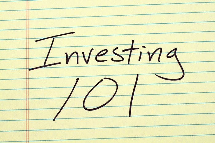 Investing 101 written on a yellow legal pad