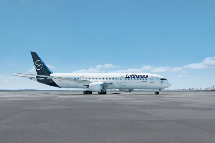 A rendering of a 787-9 Dreamliner in the Lufthansa livery