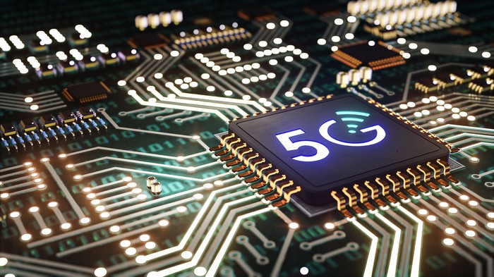 5G chip on a board.