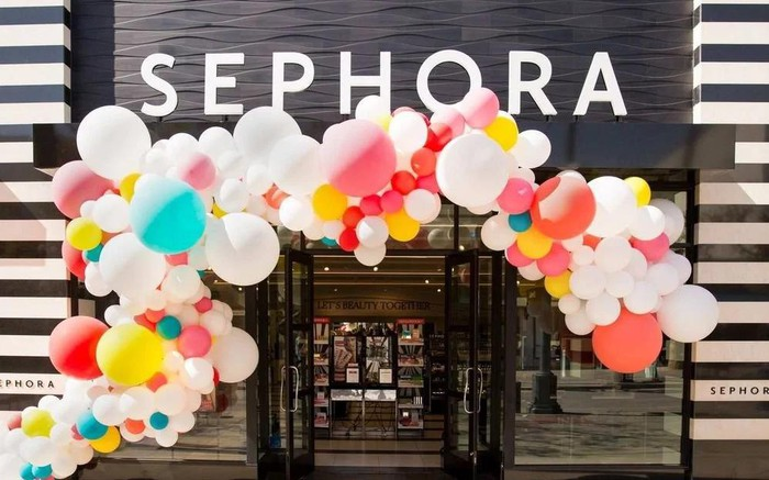 Sephora storefront with balloons.