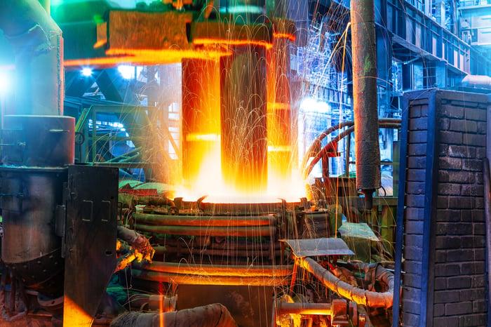 An electric arc steelmaking furnace