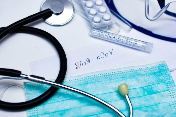 """stethoscope, pills, """"2019-nCoV"""" notation"""