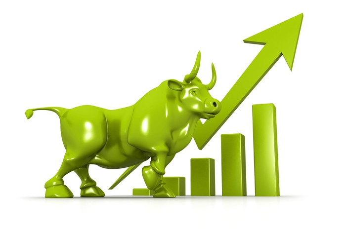 Green bull will a rising arrow and chart