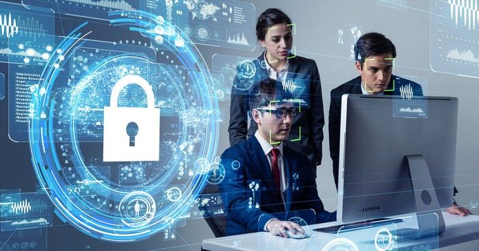 Illustration of workers and a secure cloud