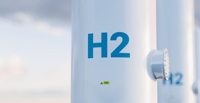 H2 tank representing hydrogen fuel