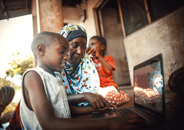 African family browsing the Internet.