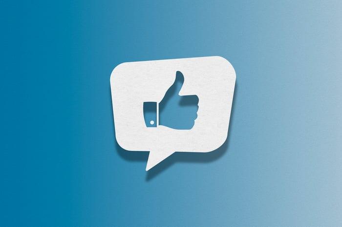 Social media thumbs up.