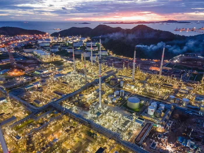 A refining plant at night