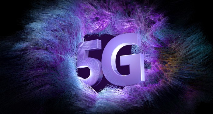 Two big purple letters spell 5G.