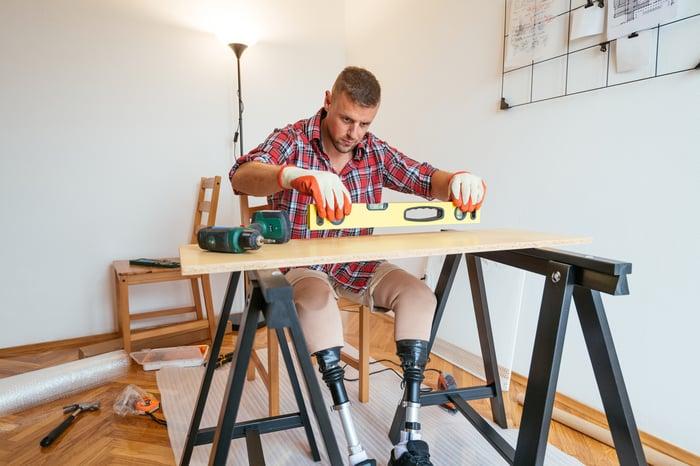 A handicapped DIY worker.