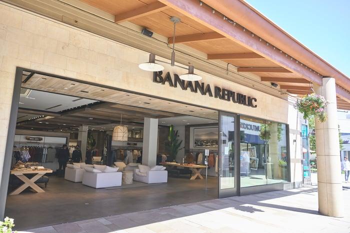 The entrance to a Banana Republic store.