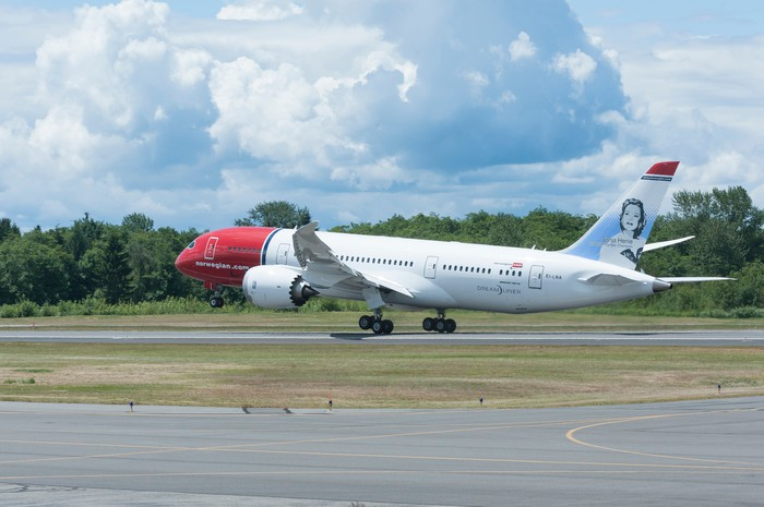 A Boeing 787 Dreamliner in the Norwegian Air livery.