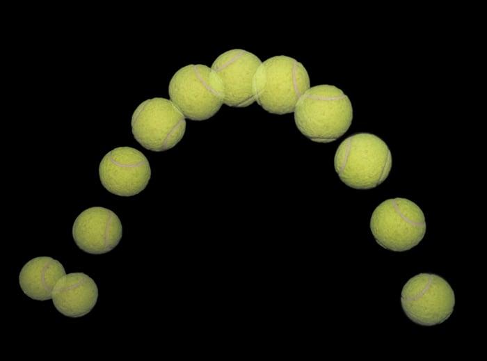 Stop motion photo d'une balle de tennis rebondissante