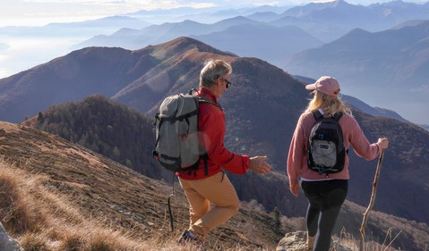 Two people hiking_GettyImages-1300696090