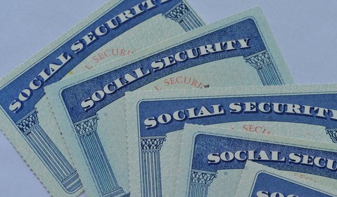 social security cards stacked_GettyImages-488652936
