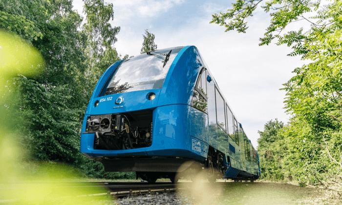 Cummins fuel cell-powered train.