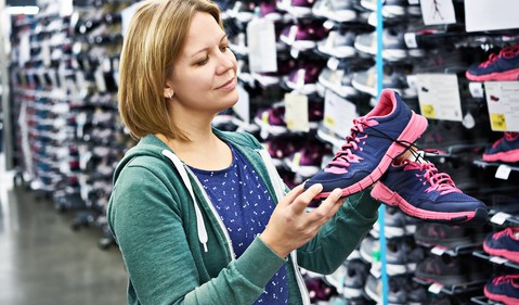 20_05_08 A person looking at shoes in a store _GettyImages-619960812