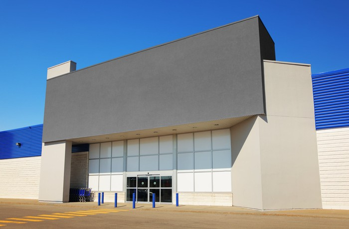 A generic or empty big box store location storefront.