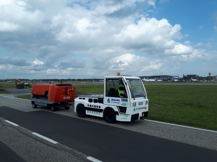 Plug Power hydrogen fuel cell powered airport mobile equipment.