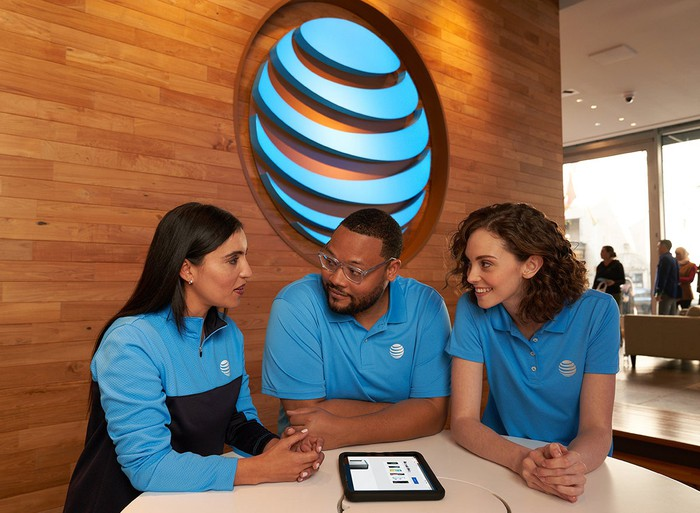 A sales team at an AT&T store.