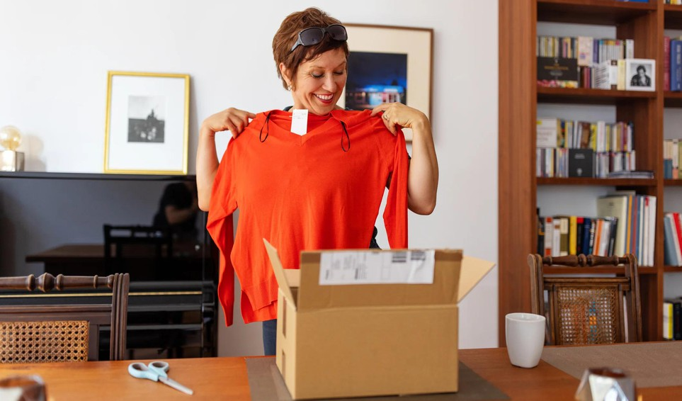 Clothing delivery gettyimages-clothingdelivery